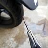 原付二種スクーターのチューブレスタイヤパンク修理