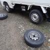 スタッドレスタイヤに交換 洗ってから Replacing regular tires with studless tires