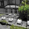もうすぐ夏 春に植えた庭の小さな菜園
