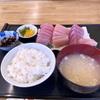 千葉県キャンプ 外房のキャンプ帰りにデカ盛りのお刺身定食を頂きました。