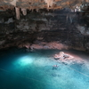 聖なる泉セノーテで泳ぐ