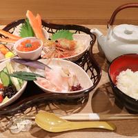 【金沢】北陸のたっぷり海鮮を自分好みにカスタマイズ!「まんで茶漬 KANAZAWA」が近江町市場にオープン!【NEW OPEN】