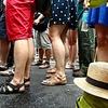 なぜ、人は行列に並ぶのか?日本人特有の心理とは?