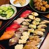 魚べいのお寿司をつまみに晩酌。