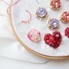 春らしいピンク色の新作刺繍です
