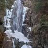 小秀山の夫婦滝を登りに行ったら、凍っていなかったけど、滝も渓谷も綺麗だった。