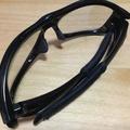 オークリーのサングラスの柄の部分がべたつき出した時に交換せずDIYする修繕方法