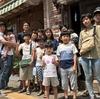 """4家族の""""団らん""""でした。バーベキューBBQや最新カラオケ、天然温泉、教育漫画3000冊。一軒家貸切/熱海温泉ハウス(簡易宿所/合法民泊)子供と大人。ひさひざの日本人ファミリー。"""