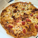 新聞よりもチラシが欲しい。ピザーラ車でピザを買う。