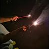 P20の夜景モードで手持ち花火撮影 月曜日 はれ