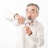 認知症とアルコールは関係していますか?アルコール性認知症という病気があることを最近知りました。高齢の父親が当てはまるのではないかと、気になっています。