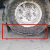バインダーのタイヤにヒビが…。保管には気をつけないと!