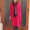 歳を取ったら着られない?真っ赤な服は地味色をプラスして上品コーデにシフト