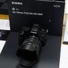 次世代主力レンズになるのではと管理人の中で話題のSIGMA「24-70mm F2.8 DG HSM OS Art」。発売日がもうすぐ発表される?→7/7発売です(追記あり)