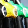 軽油の色は何色?ガソリンや灯油との見分け方について