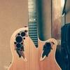 ギター初心者は教室で習うべきか、それとも独学か?