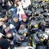 ソウル大混乱、朴氏支持者と警官隊衝突2人死亡