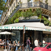 パリにたたずむ老舗カフェ、ピカソやヘミングウェイが愛したCafé de Flore (カフェ・ドゥ・フロール)