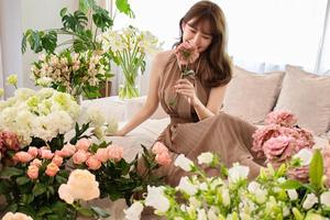"""""""美しすぎる""""小嶋陽菜、誕生日をファンに報告!「たくさんの愛を届けたい」と抱負語る"""