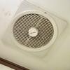 トイレの換気扇を分解掃除してみた。(前編)異音解消のためのお掃除 天井埋め込み型換気扇 東芝DVF-10S2