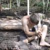 【面白い動画紹介】木と石と土だけで生活!?人類の進化が垣間見える「Primitive Technology」