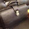 オンオフ兼用使いできるおすすめ鞄。銀座タニザワのダレスバッグ【レザー・革】
