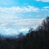 透き通る山