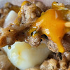 """松屋の「""""お肉たっぷり""""焼き牛めし やみつきにんにく醤油だれ」最強のご飯が進む一品です。"""