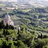 渓谷を見下ろす秘宝の街で、貴族のワインに出会える旅を ~モンテプルチャーノ~