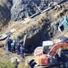 工事現場で土砂崩れ、生き埋めの親子が死亡