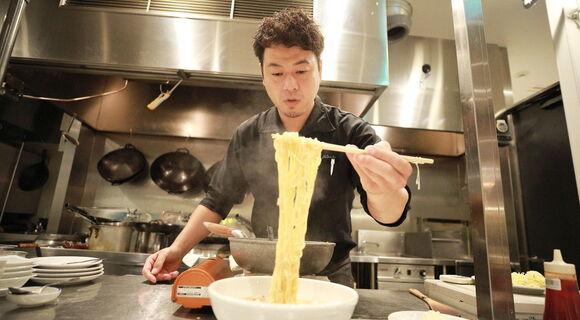 四川料理のスゴい人に教わる「酸っぱ辛〜いサンラータンメン」冷たいやつと熱いやつ編