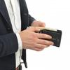お客様にサインしてもらったカードが財布から現れる!「Card to Wallet(カード・トゥ・ウォレット)」用の財布について
