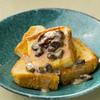 いつものフレンチトーストが豪華に!「レンジで作るラムキャラメルソース」