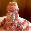 ピンクのウエディングケーキ<カップケーキタワー仕立て>