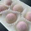 レンジで簡単♥期間限定ガーナピンクで「苺チョコトリュフ大福🍓」