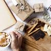 《お菓子とデザイン》ココシュシュ、ツバメ柄が可愛いヴィーガンチョコレートパッケージなど3選