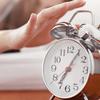 2週間続くと要注意!目覚ましより早く起きる人はうつ病が原因?