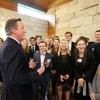 イギリス元首相、デイビッド・キャメロン氏が来校
