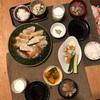 ごはん、餃子、春雨入り中華スープ、かぼちゃの塩バター、ちくわきゅうり