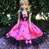 ピンクに黒のドットのドレス