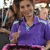 """虫食に挑戦!バンコクのカオサン通りで""""サソリ""""を食べてみた。"""