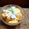 野外クッキング用に仕込んだもの&初物の柿とカッテージチーズのサラダ