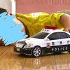 クレーン現象、あります。おもちゃの車の車輪も大好き!