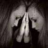 不安や恐れの状態から抜け出せない時には、不安でいることで「安心」を感じているかもしれない