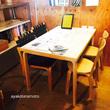 シンプルなリビングに似合う「アルテックのテーブル」。子どもの机コーナーを用意します