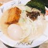 【豚神】栄のオアシス21にあるプラス100円で替え玉食べ放題のラーメン店