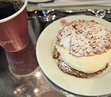 横浜みなとみらい・アンティコカフェおすすめメニューはシュークリーム!
