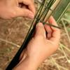 既成の工具は使わない!たった一本の竹から鳥籠ができる
