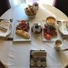 ベルサイユ宮殿の近くのヒルトン系 ウォルドーフ アストリア トリアノンの朝食