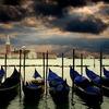 イタリア、ヴェネチアで4月25日、愛する人に赤いバラを贈るイベント、ボッコロの日。